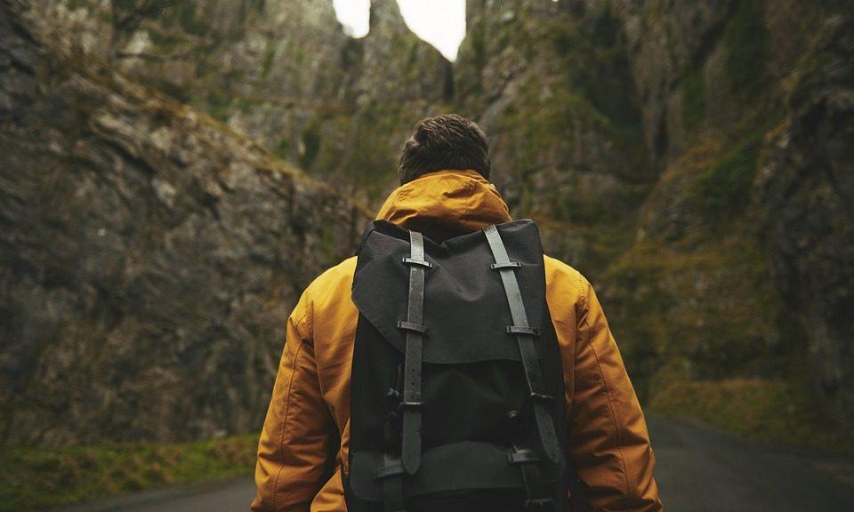 Pourquoi choisir un sac de voyage à roulettes?